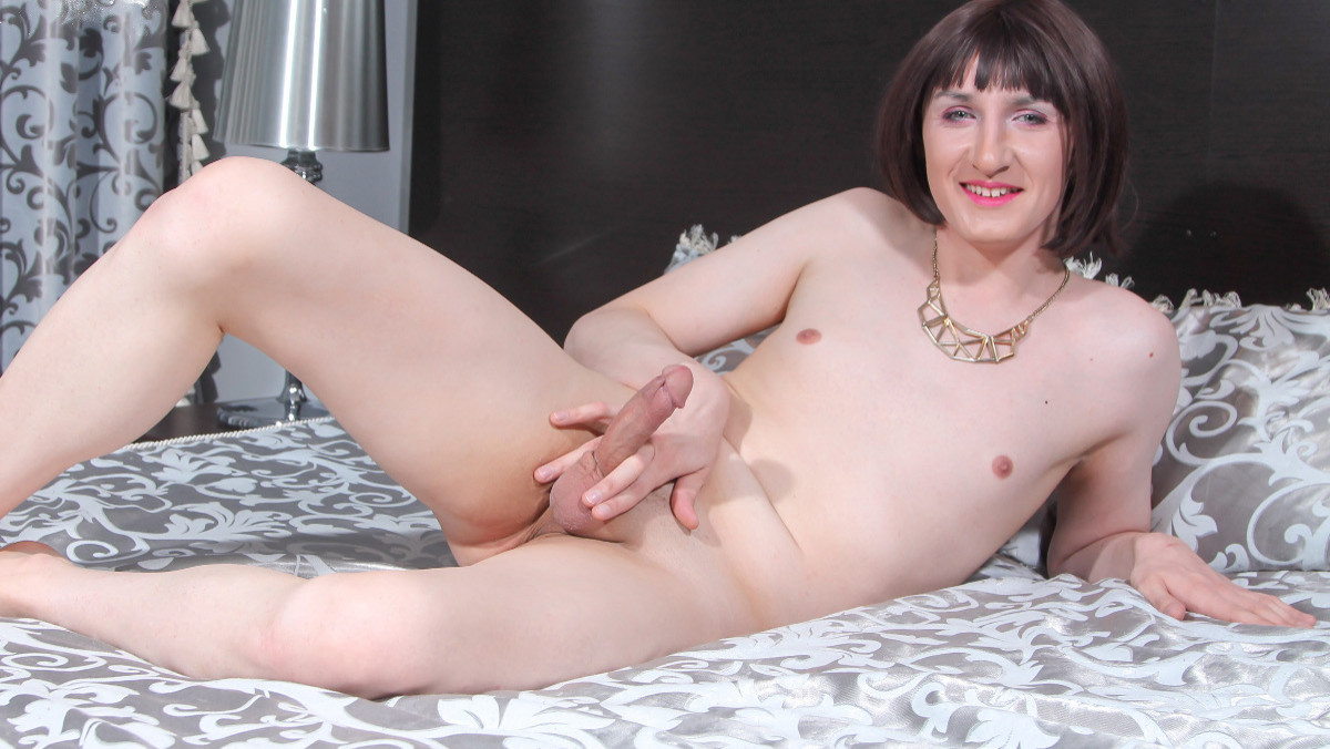 Kate Black Cums For You!